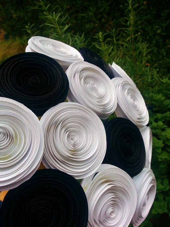 Alternative DIY wedding bouquet ideas! Black and white paper flower bridal bouquet. thepaperflowerbed.etsy.com