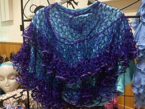 Video instructions for shawl from ruffle yarn