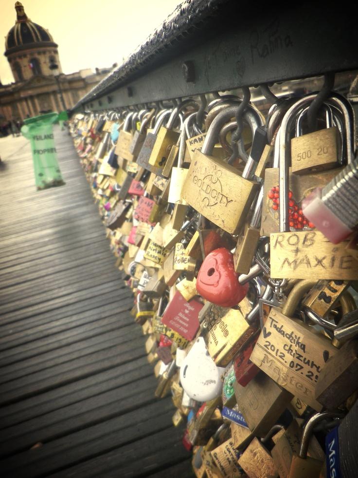 """""""Love lock bridge"""", Paris"""