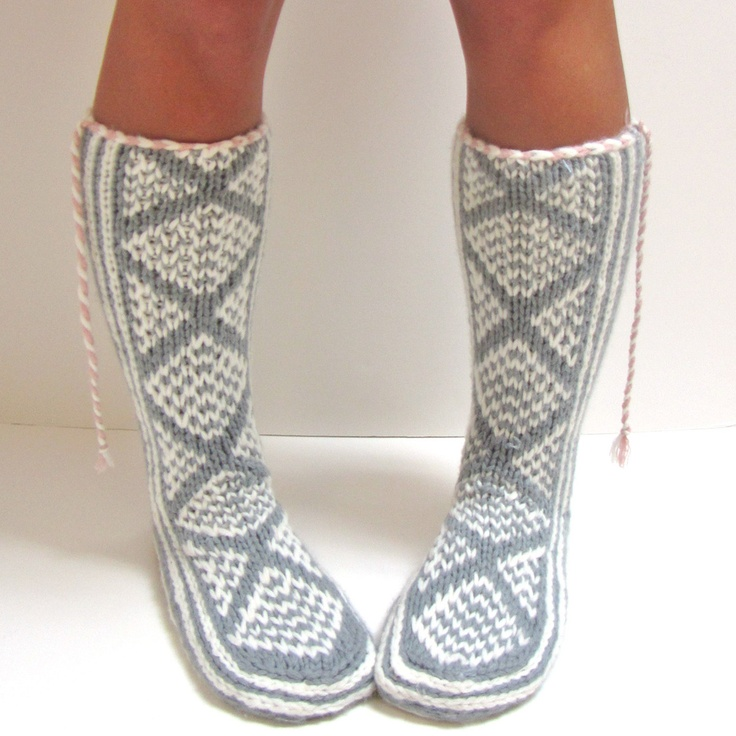 Mukluk Knitting Pattern : 1000+ images about Ballet Knits on Pinterest Ravelry, Leg Warmers and Patte...