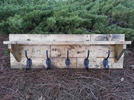 Rustic plank wall shelf coat hanger on Etsy, 921:66kr