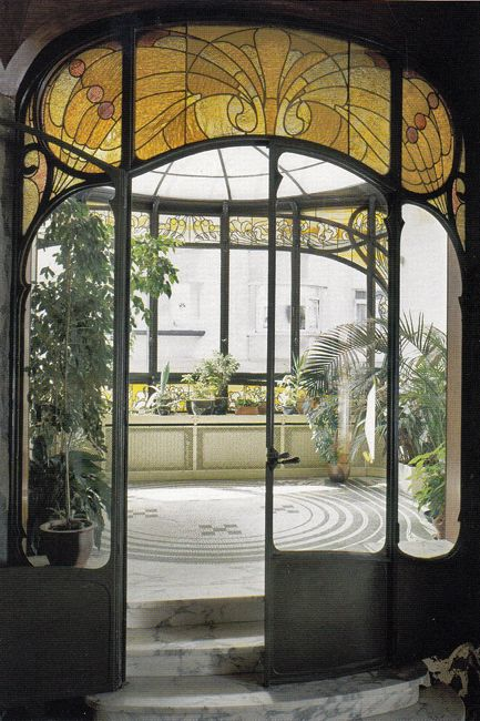 The amazing art nouveau interior of hannon house designed for Art nouveau fenetre
