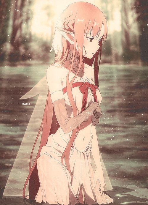 Cyika está basada en Asuna. En Alfheim. Básicamente porque se pasa la 2da mitad del anime encerrada en una jaula de pájaro dorada...