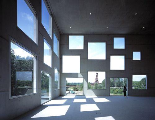 SANAA - Zollverein Kubus school of management, Essen 2006....