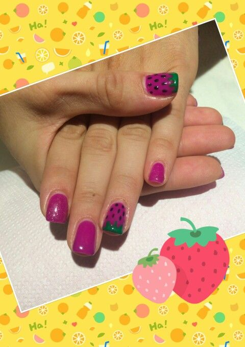 Strawberries nails