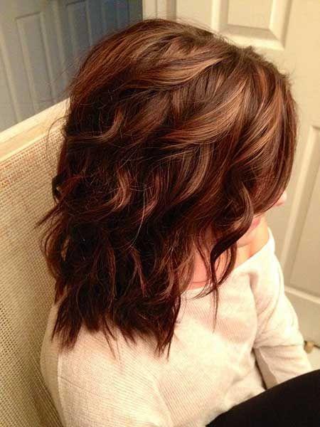 Wunderschöne Kurze Braune Haare Mit Highlights Kurze Haare Modelle