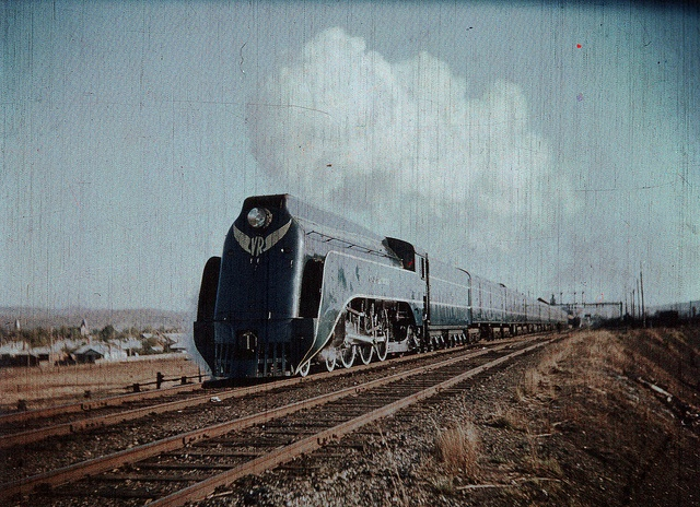 VR Victorian Railways S class steam locomotive at Albury 1950s, via Flickr.