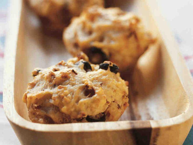 Suolaisissa muffineissa maistuu aurinkokuivattu tomaatti ja oliivi. http://www.yhteishyva.fi/ruoka-ja-reseptit/reseptit/valimeren-muffinit/011133