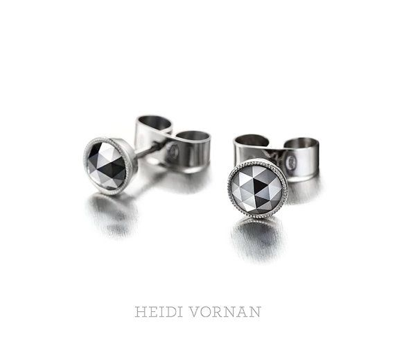 Stud earrings from 18K White gold with Black by HeidiVornan