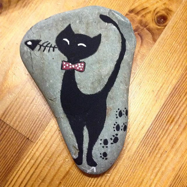 Kara kedi taşın üzerinde. Black cat on the stone. #cat lover#instacats#cats are every where#kedisiz asla