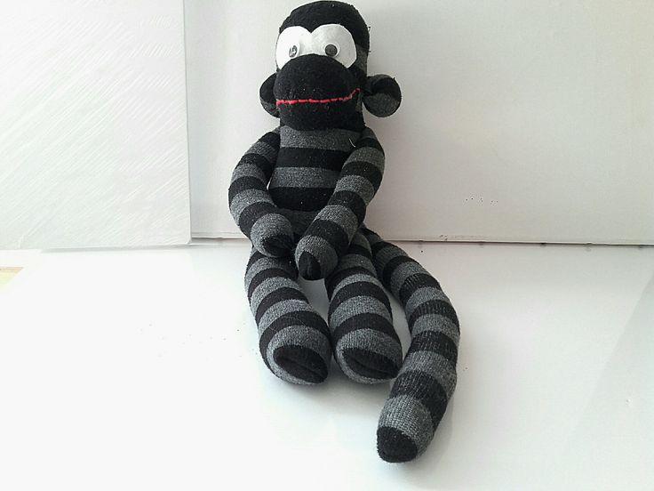 doudou singe, doudou singe garçon noir avec des rayures s' accrochant partout : Jeux, peluches, doudous par doudous-mad-in-toudou