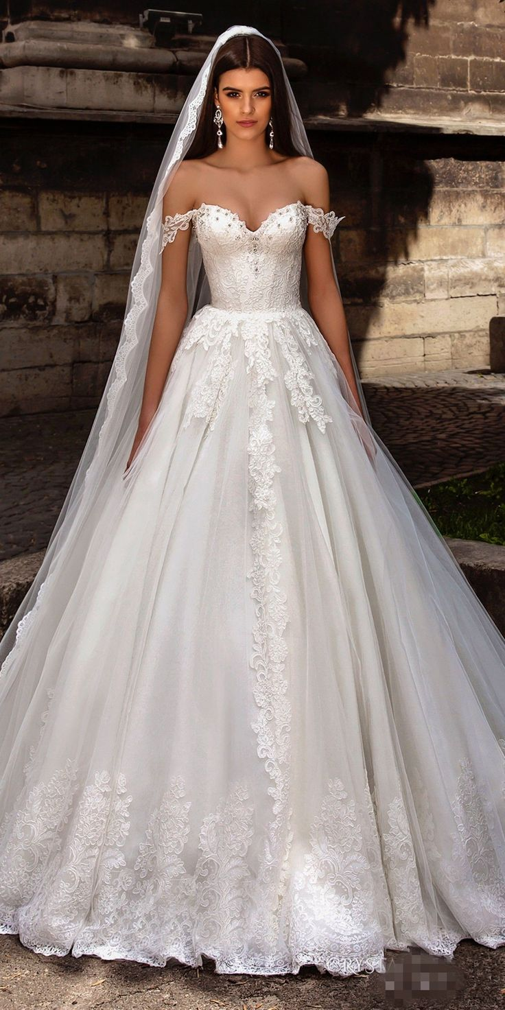 Sexy White A-Line Wedding Dresses,Off The Shoulder Sweep Train Lace Up Back Applique Tulle Bridal Gown robe de mariage