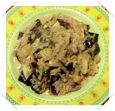 Risotto al cavolo rosso/verza rossa  http://www.ilmanicaretto.it/2011/12/23/verza-rossa-ricette/