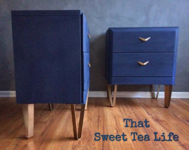That Sweet Tea Life chose CeCe Caldwell's Chalk + Clay Paint in Newport Navy to update this awesome pair of side tables.