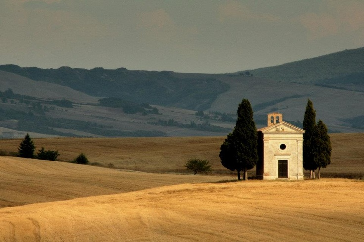 The perfect place to get married in #Tuscany http://www.villalanducci.it/en/italian-food-and-wine/