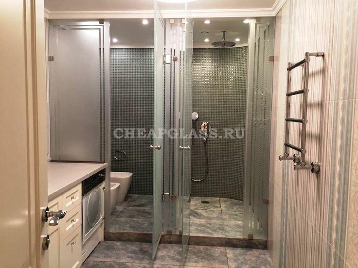 Душевые ограждения из стекла с пескоструйным рисунком. г. Москва. A very nice bathroom. I really like the standing shower.