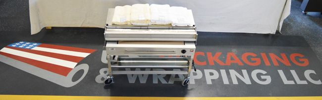 Commercial laundry film and tables for professional laundry packaging!