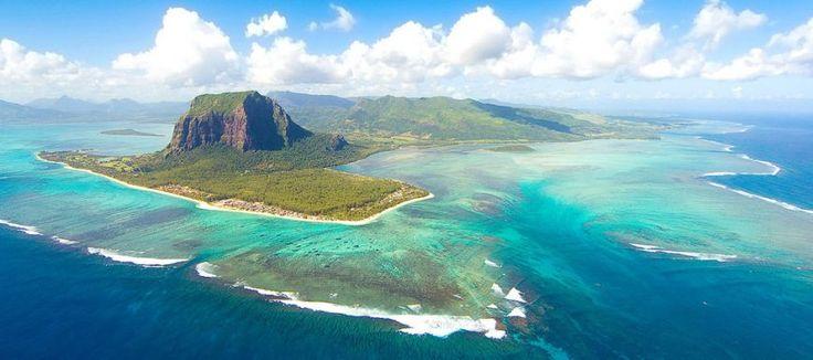 MAURITIUS Revelion 2017: paradisul verde cu plaje stralucitoare la Oceanul Indian! http://bit.ly/2hlu9qV #revelion2017 #exotic #vacantadeiarna