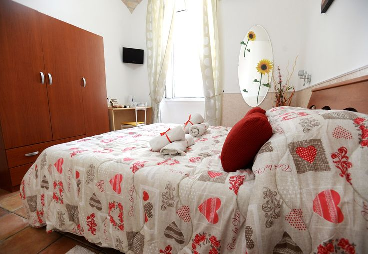 Are you looking for a nice and affordable ‪‎apartment‬ for your vacation in Rome ?Testaccio house is your perfect accommodation! Few minutes from Circus Maximus and Colosseum!