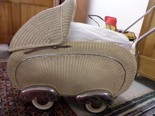 alter Kinderwagen Korb 50-er Jahre in Wald-Michelbach