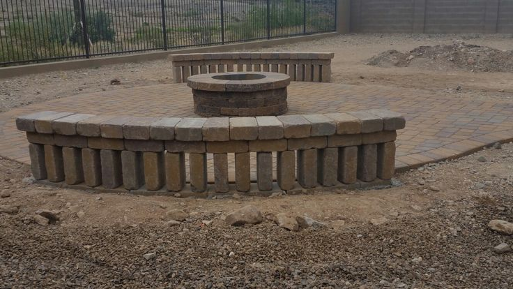 Belgard Firepit And Weston Wall Seat Walls In Anthem Arizona Wall Seating Outdoor Living Outdoor Decor