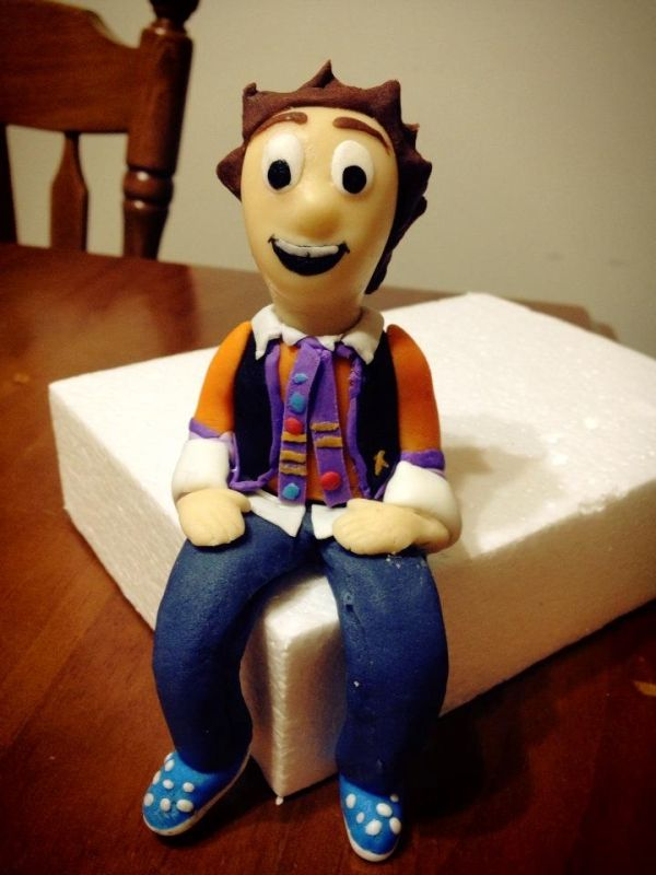 Jimmy Giggle - Giggle and Hoot, cake topper custom made, www.debssweettoppers.com