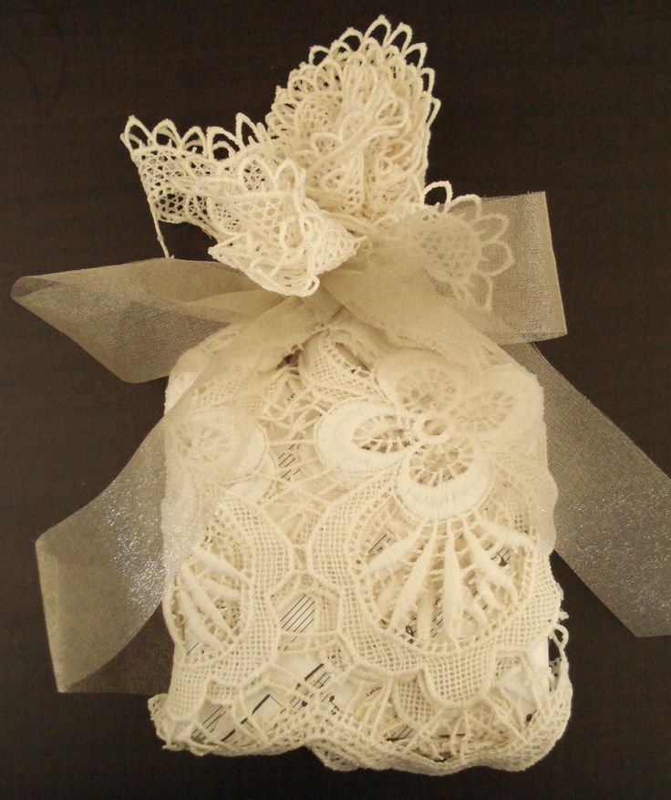 DIY Wedding Crafts: Gift Wrapping Ideas lace gift wrap