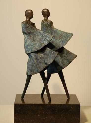 Judith Meulenberg. Amsterdam. In bronze. I like these forms for their fluidity and think it's perfect in a garden.