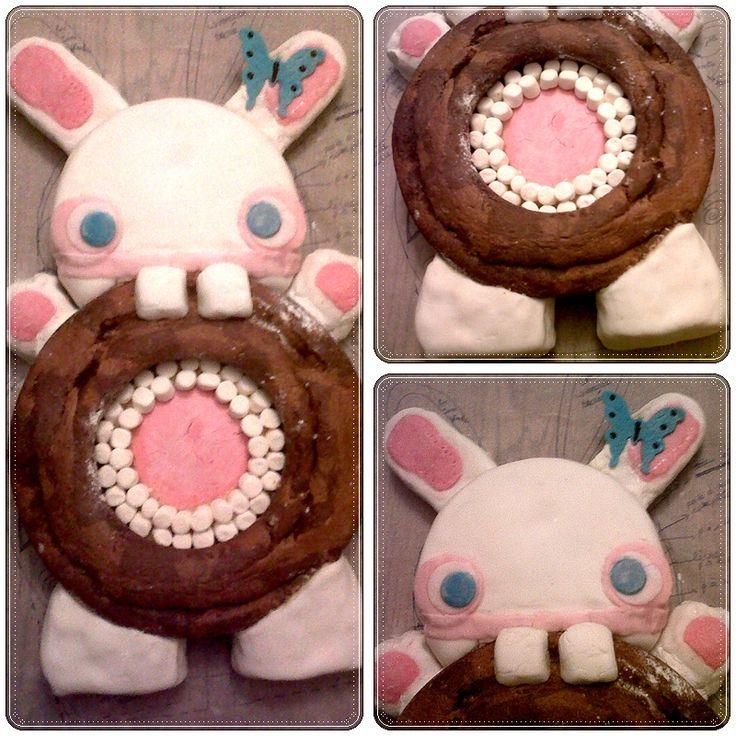 """Mon tout premier gâteau en pâte à sucre !  un """"petit"""" lapin crétin :)"""