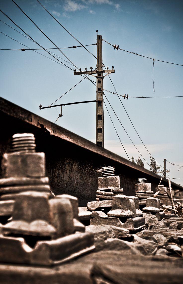 Vía férrea, Linares