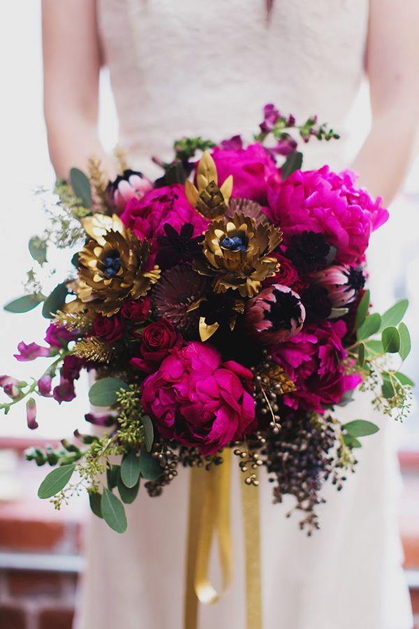 Bright and dramatic bouquet. Source: June Bug Weddings #bouquet
