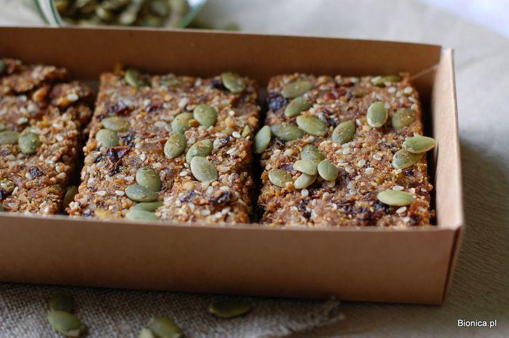 quinoa flakes semi-raw bars with dry fruit super healthy batony z płatków quinoa z bakaliami