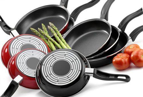 Наличие сковороды на домашней кухне является закономерностью, но, если еще несколько десятилетий назад хозяйки могли обходиться одним универсальным приспособлением для жарки, современному быту более п…