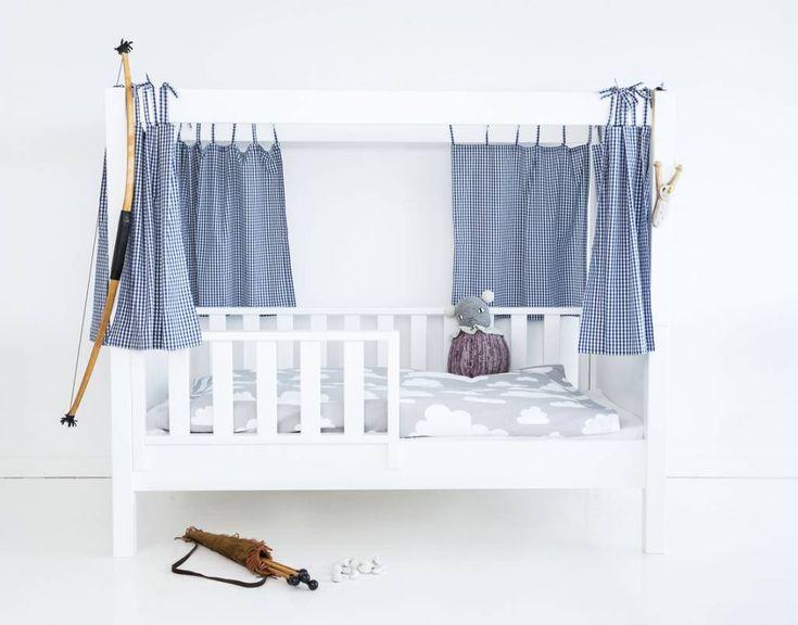 11 besten kinderbett bilder auf pinterest himmelbett lattenrost und bett matratze. Black Bedroom Furniture Sets. Home Design Ideas