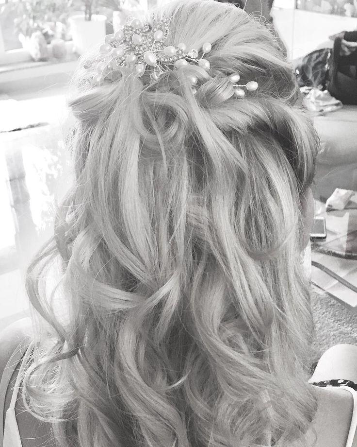 Wedding Wedding Weddingdress Weddinghair Weddingstyle Weddingstylist Weddingstyling Weddingstylist Hochzeit Hochzeitskleid Ho Wedding Hairstyle Crown
