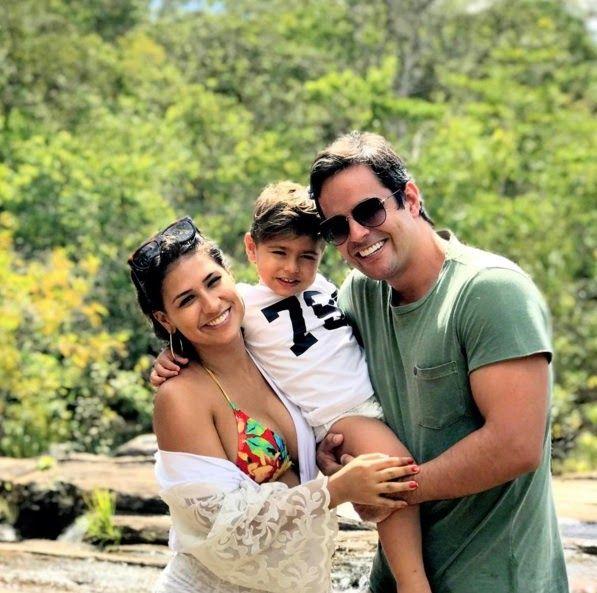 Foto: Reprodução/ Instagram Kaká Diniz , marido da cantora Simone , da dupla com Simaria , derreteu seus seguidores nesta segunda-feira (2...
