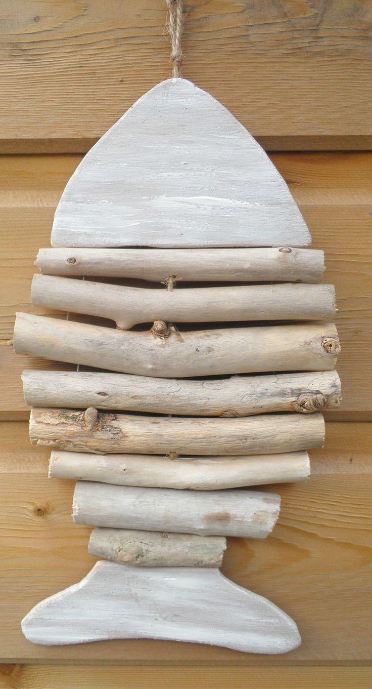 Esculturas restos madera