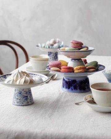 Étagère selbstgemacht: so wird altes Geschirr zum Hingucker. Ob knallbunt im Candy-Look oder klassisch, zart in blau-weiß