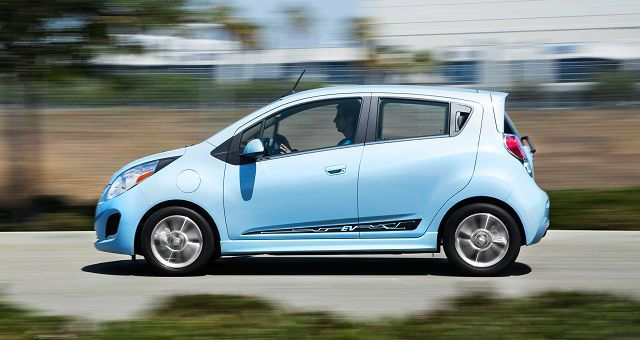 The new 2017 Chevrolet Spark is a Subcompact car / city car by GM Korea, originally distinctly advertise as the Daewoo Matiz. Chevrolet Spark has available exclusively as a five-door hatchback.