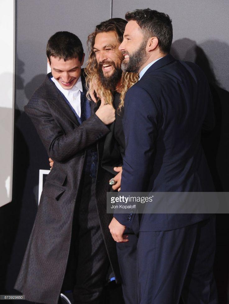 ニュース写真 : Actors Ezra Miller, Jason Momoa and Ben Affleck...
