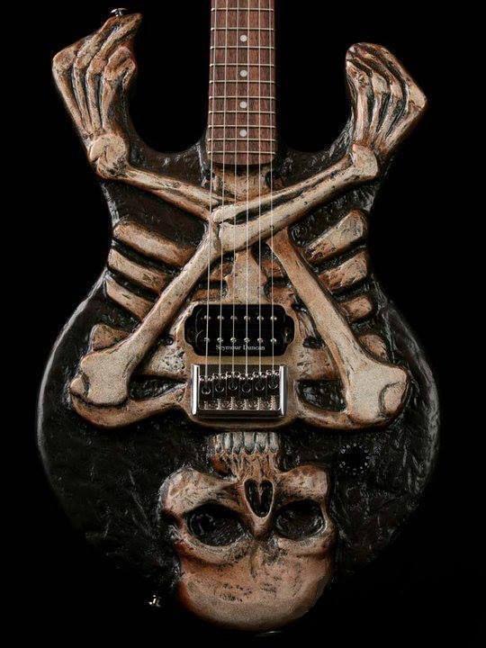 фото рок с гитарой скелет новый год заберём