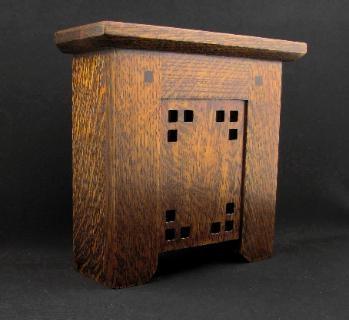 Doorbell cover - The Mackintosh In Quartered Oak @gracia fraile Gomez-Cortazar Brillantes-Evangelista And Craftsman Woodworks