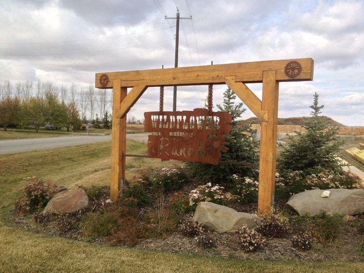 8 best entry signs images on pinterest farm signs for Ranch entrances ideas