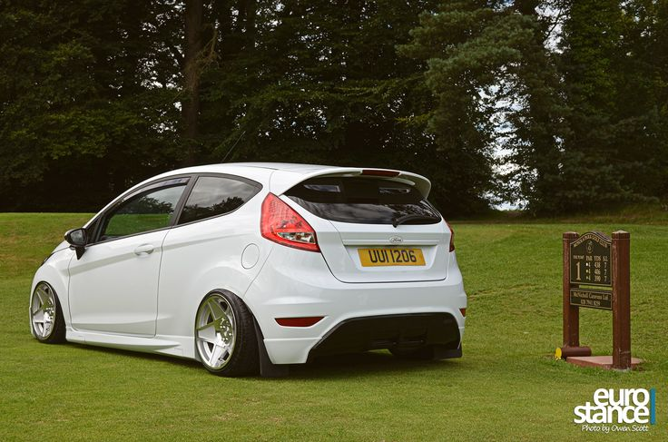 Stephen Chambers Mk7 Ford Fiesta On Hydraulics stance