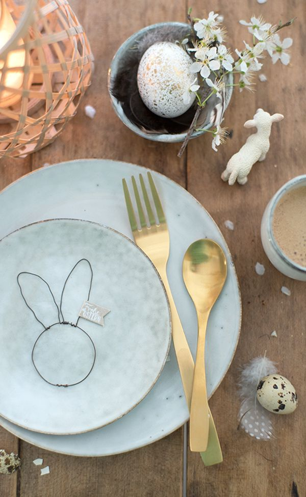Simple Easter place setting