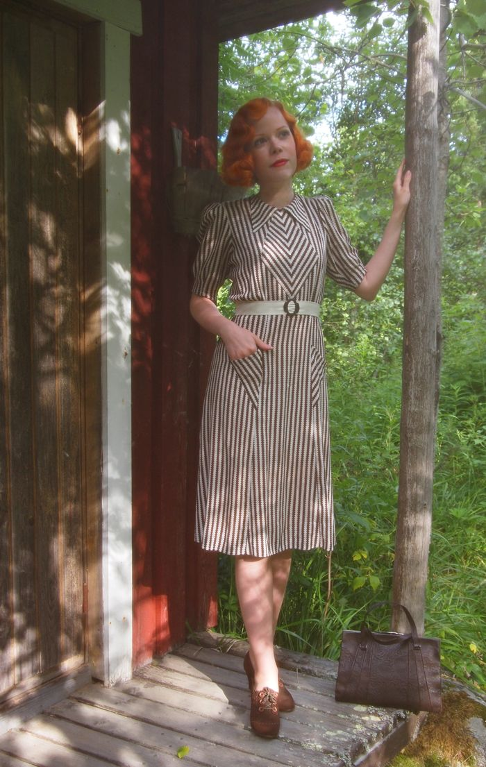 Marianne - this time in a vintage late 1930's / early 40's piece.