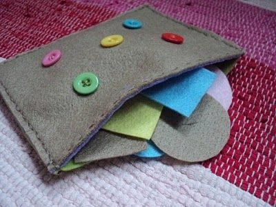sew on buttons, make slits in the coordinating felt shapesButtons Up, Business Bags, Buttons Bags, Buttons Activities, Learning, Felt Buttons, Buttons Practice