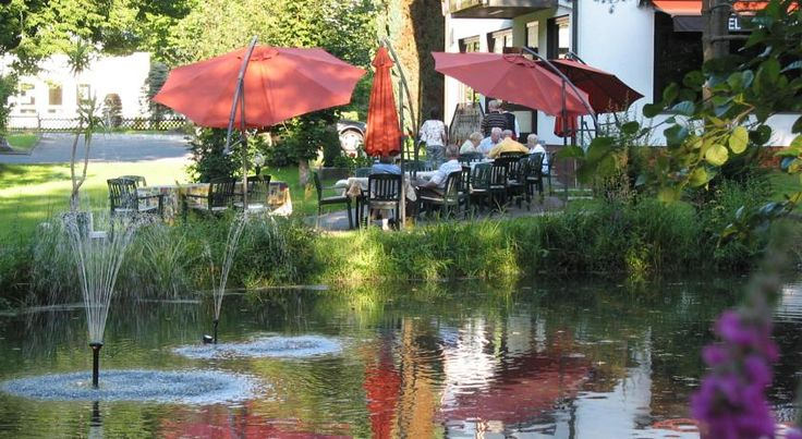 Hotel Zur Mühle Bad Brückenau This 3-star hotel in Bad Brückenau lies a 10-minute walk from the Old Town. It offers rooms with free Wi-Fi internet, large gardens and an outdoor Kneipp spa pool.