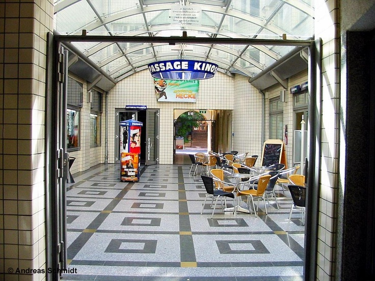 "In Leipzig there are a lot of cozy little cinemas, for example the ""Passage Kinos"" in the Hainstraße 17-19. This cinema shows additional to the regular movies ambitous niche movies.  The ""Passage Kinos"" have a long tradition. In 1915 the ""UT Hainstraße"" was opened with 580 seats. The ""Passage Kinos"" are placed in the ancient ""Mustermessehaus Jägerhof"" (a fair house) with three elegant area ways.  Info: www.passage-kinos.de    © Andreas Schmidt"