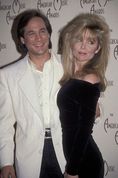 Pin by virginie london on lisa hartman black pinterest for Clint black and lisa hartman wedding pictures